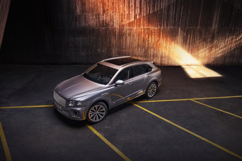 Bentley triệu hồi Bentayga V8 do lỗi hệ thống cân bằng điện tử biến thiên - Ảnh 1