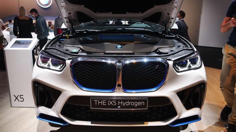 BMW trình diễn mẫu SUV chạy pin nhiên liệu hydro iX5 tại triển lãm Munich - Ảnh 2