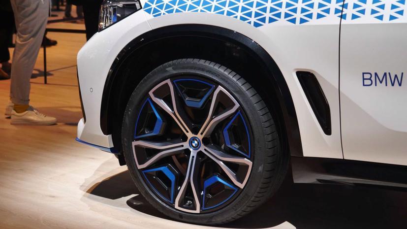 BMW trình diễn mẫu SUV chạy pin nhiên liệu hydro iX5 tại triển lãm Munich - Ảnh 4