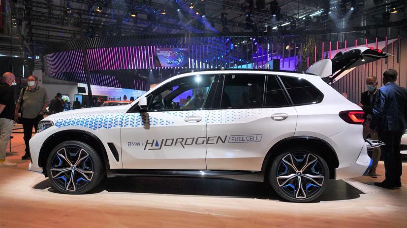 BMW trình diễn mẫu SUV chạy pin nhiên liệu hydro iX5 tại triển lãm Munich - Ảnh 1