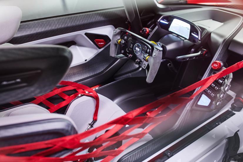 Porsche tiết lộ concept xe đua chạy hoàn toàn bằng điện - Ảnh 8