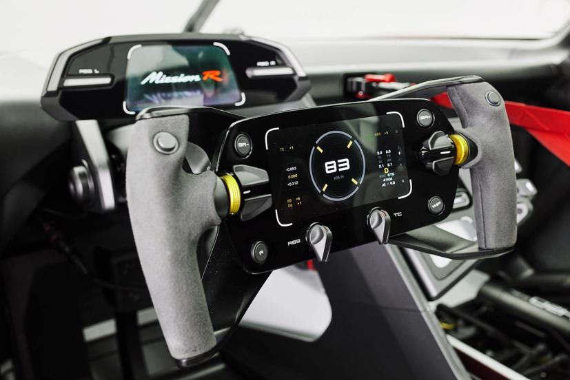 Porsche tiết lộ concept xe đua chạy hoàn toàn bằng điện - Ảnh 7