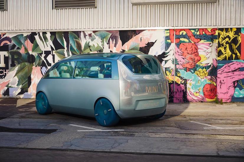 Mini Vision Urbanaut– Xe minivan phong cách tương lai có thể được sản xuất - Ảnh 3