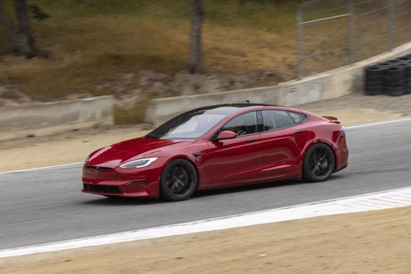 Tesla vừa lập kỷ lục mới về tốc độ của mẫu ô tô điện Tesla Model S Plaid vòng quanh trường đua Nürburgring nổi tiếng của Đức.