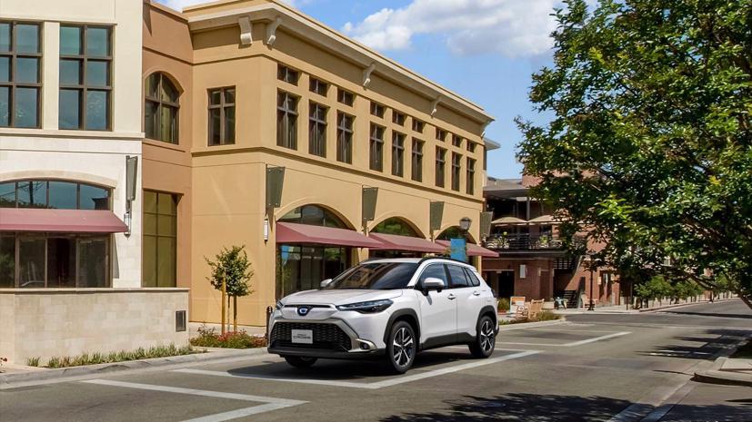 Toyota Corolla Cross 2022 ra mắt tại quê nhà Nhật Bản - Ảnh 4