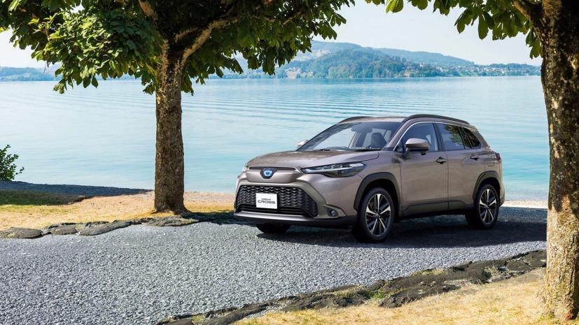 Toyota Corolla Cross 2022 ra mắt tại quê nhà Nhật Bản - Ảnh 6
