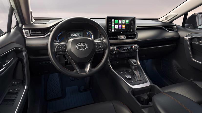 Toyota RAV4 2022 hình ảnh thực tế lộ diện: Đèn pha, bánh xe và cổng USB-C mới - Ảnh 2