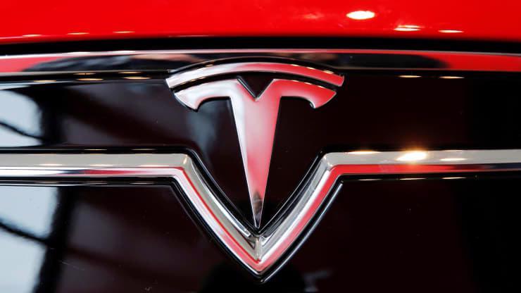Mỹ yêu cầu 12 nhà sản xuất ô tô hỗ trợ điều tra các tai nạn liên quan đến Tesla - Ảnh 1