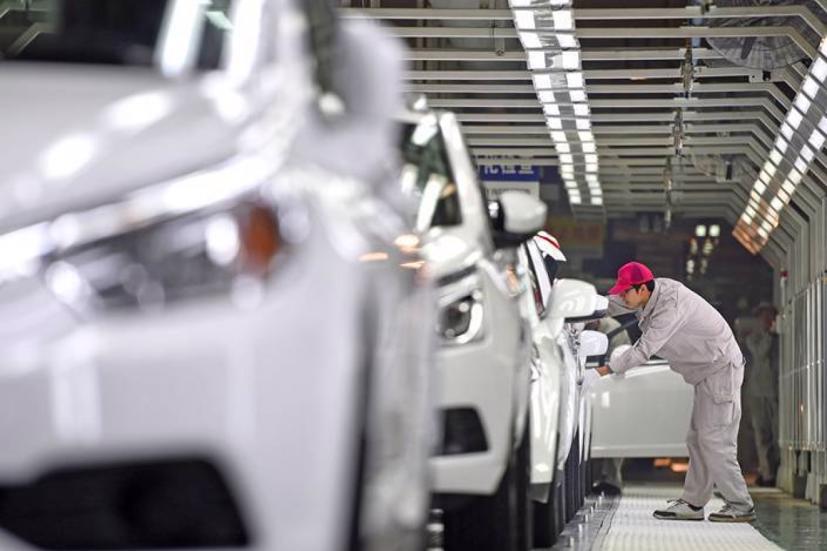 90% chip ôtô Trung Quốc được nhập khẩu. Vào tháng 7, Trung Quốc phải đối mặt với sự sụt giảm 16% doanh số xe mới, nguyên nhân là do thiếu chip. Audi buộc phải cắt giảm lượng sản xuất, hai trong số các nhà máy ở Trung Quốc của Toyota bị cắt giảm 40% sản lượng toàn cầu.