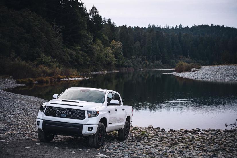 Toyota ra mắt bán tải Tundra 2022 mới, động cơ hybrid - Ảnh 1