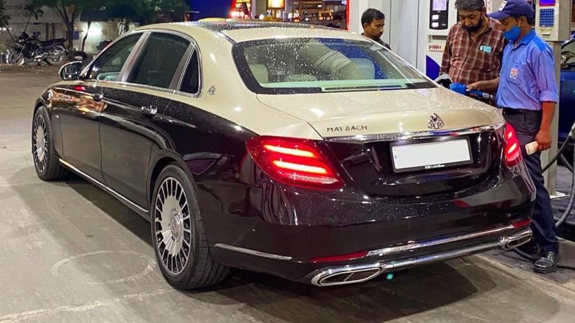 Biến Mercedes E-Class L thành Maybach chỉ với 1.500 USD - Ảnh 1