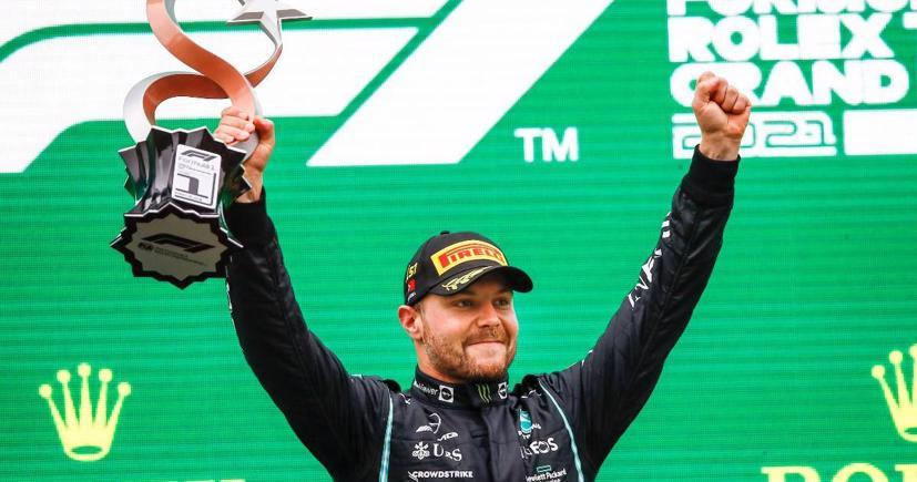 Valtteri Bottas lần đầu tiên giành vô địch từ tháng 9 năm 2020.