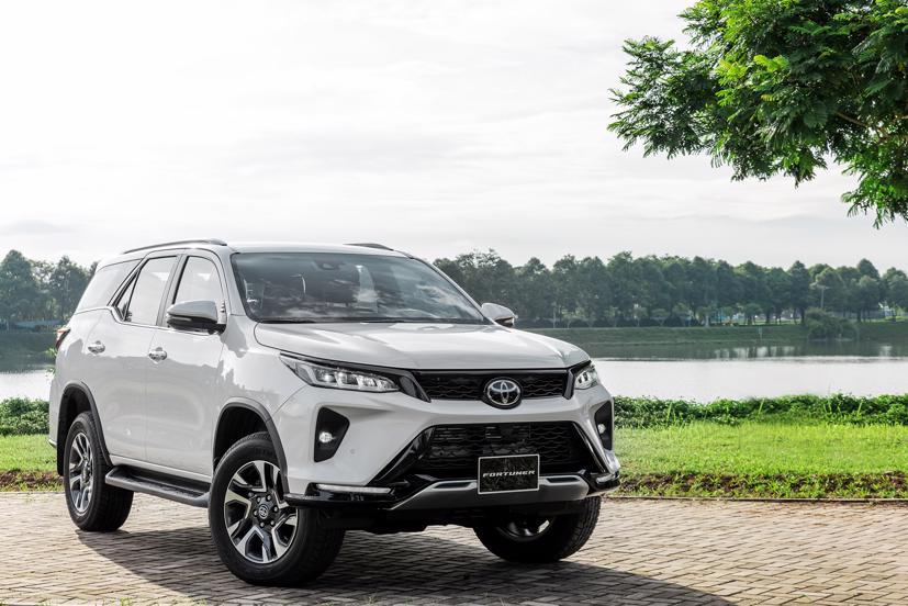 Giá lăn bánh hai mẫu xe SUV 7 chỗ bán chạy nhất thị trường Việt - Ảnh 4